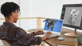Nálož novinek Aceru: mj. projektor na ven s režimem Fotbal a produkty šetrné k planetě, jako bunda z kávové sedliny