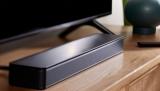 Zvuková lišta Bose TV Speaker je skvělým doplňkem televizoru, rozumí si ale třeba i s mobilem