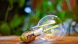 Žárovky Philips LED Classic 40W a 60W od Signify plní, jako jedny z mála, novou energetickou třídu A